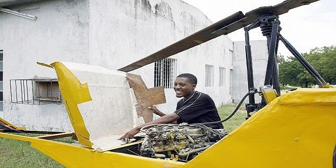 مبدعو أفريقيا .. صنعوا من المخلفات طائرات