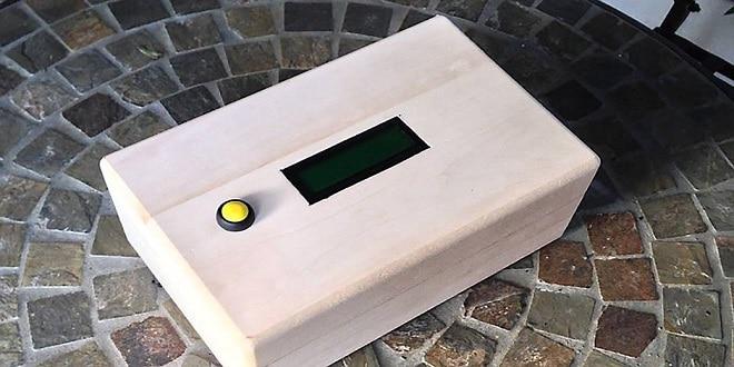 (Adventure Box)  يدمج لعبة دجيوكاتشينج مع ميزة إعطاء الهدايا