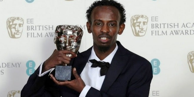 الصومالي بركات عبدي يفوز بجائزة السينما البريطانية كأفضل ممثل مساعد