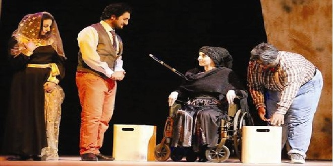 """"""" عرس الدم """" يستأثر بجوائز مهرجان الدوحة المسرحي"""
