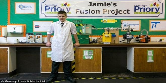 طالب بريطاني يطور مفاعلا نوويا في مدرسته